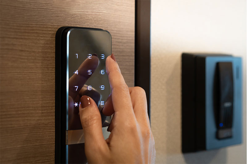 keyless entry and smart lock vacation rental technology