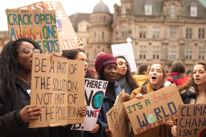 people campaigning for climate change